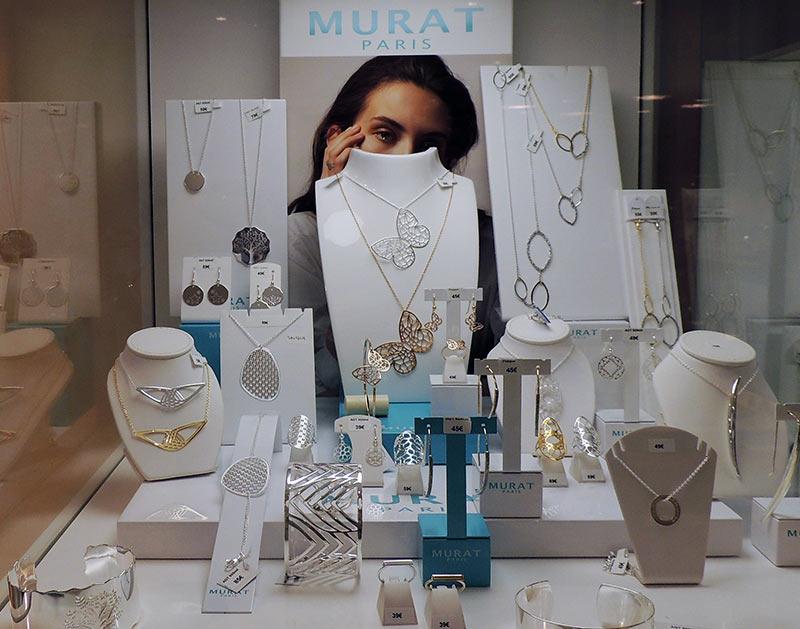 bijouterie-courcy-noyon-murat-vitrine-bijoux