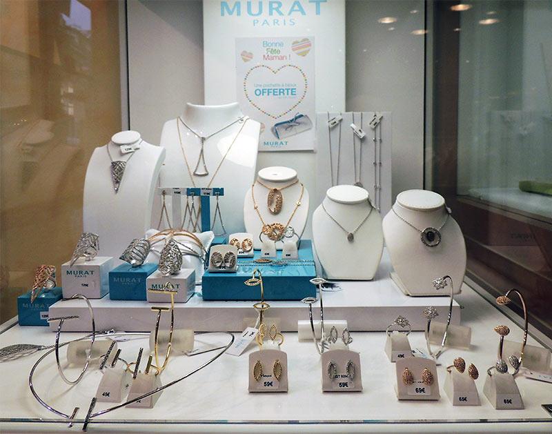 bijouterie-courcy-noyon-murat-vitrine-femme